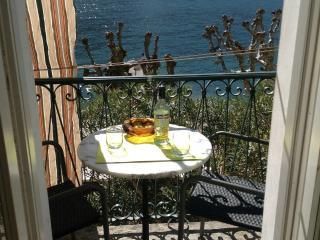 3 bedroom Apartment with Internet Access in Isola Pescatori - Isola Pescatori vacation rentals