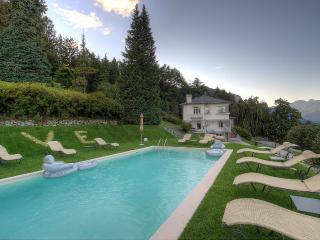 Comfortable 5 bedroom Baveno Villa with Deck - Baveno vacation rentals