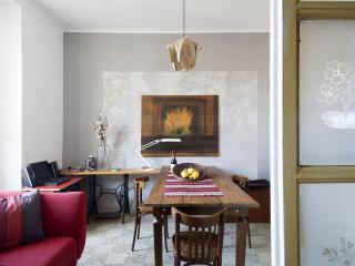 Quadrilocale nel cuore di Milano area Navigli - Milan vacation rentals