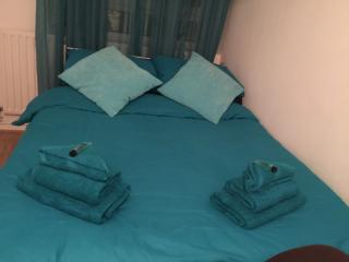 Tower Hill Nice Rooms, Blue Room - London vacation rentals