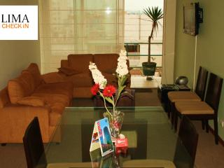 Lima Check In - Apartment in front of the sea - Lima vacation rentals
