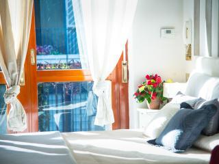 FUGGETTA APARTMENT - Rome vacation rentals