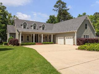 Pet Friendly Lakefront Home on Lake Guntersville - Scottsboro vacation rentals