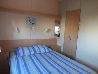 Cozy 2 bedroom Caravan/mobile home in Saint-Briac-sur-Mer with Internet Access - Saint-Briac-sur-Mer vacation rentals