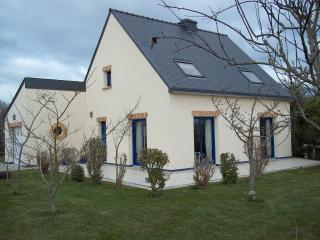 Nice House with Internet Access and Wireless Internet - Erdeven vacation rentals