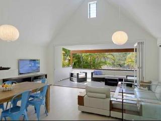 Nice 4 bedroom Byron Bay House with Internet Access - Byron Bay vacation rentals