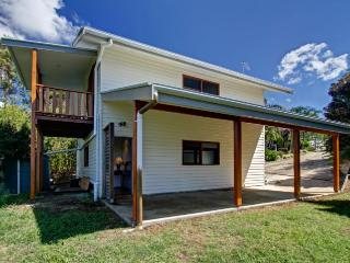 Bright 1 bedroom House in Coopers Shoot - Coopers Shoot vacation rentals