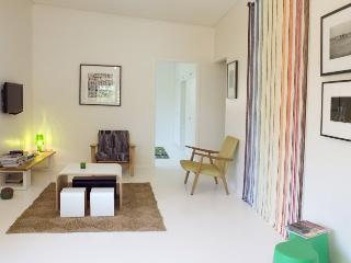 Bright Byron Bay vacation House with Parking - Byron Bay vacation rentals