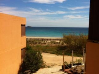 Cozy Condo in Playa d'en Bossa with A/C, sleeps 5 - Playa d'en Bossa vacation rentals