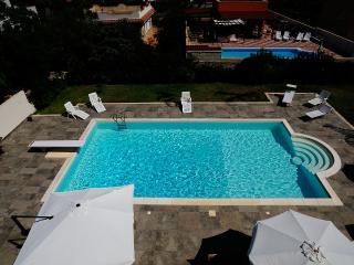 Mansarda in villa con piscina - Syracuse vacation rentals