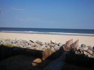 An Oceanfront Dream: Sleeps 23, Pets OK, WiFi - Carolina Beach vacation rentals