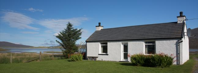 Seol Mara, extensively renovated cottage on the shore. - Seol Mara, self catering cottage in Seilebost, Harris - Tarbert - rentals