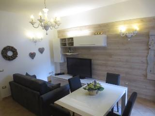 2 bedroom Apartment with Satellite Or Cable TV in Molveno - Molveno vacation rentals