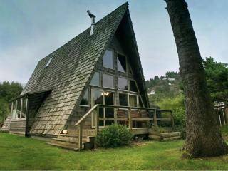 "Guests Say, ""It's the Coolest House in Yachats!!!"" - Yachats vacation rentals"