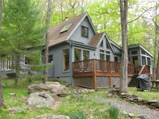 Woodstock Retreat, Sauna, Steam Shower, Decks - Woodstock vacation rentals