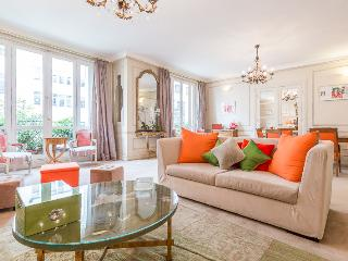 Beautiful Flat for event 7th - Paris vacation rentals