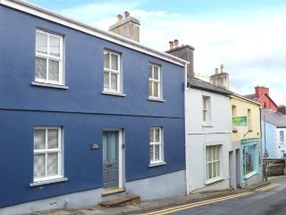 BELL'S HOUSE, woodburner, spacious and stylish, nearby National Trust property, Llandeilo, Ref 936086 - Llandeilo vacation rentals