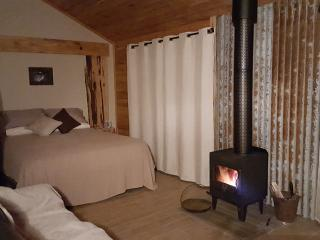 The Rustic Hut- Mountain View Hut - Penguin vacation rentals