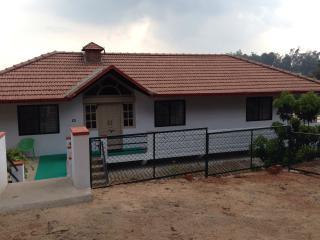 Ashirwad Compact. Scenic and Centric. - Madikeri vacation rentals