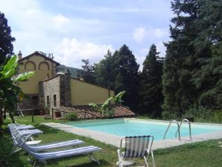 Nice Condo with Internet Access and Shared Outdoor Pool - Pescaglia vacation rentals