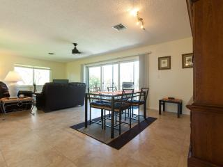 Naples 7min. to the beach - Play golf for just $15 - Naples vacation rentals