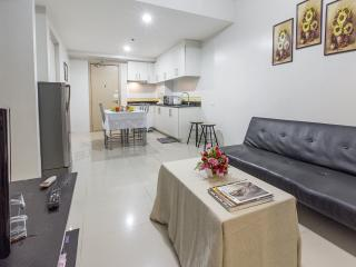 2 BR Fully-furnished Condo by Mall of Asia - Pasay vacation rentals