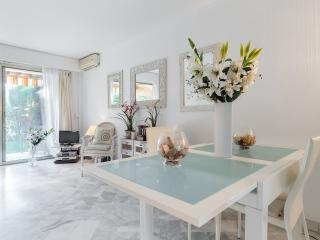 Cannes centre - Luxury 1 bedroom with swimming pool - Cannes vacation rentals
