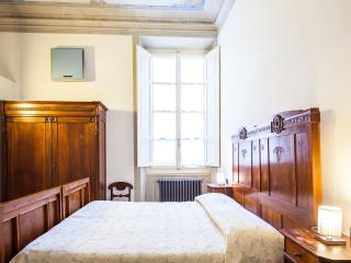Casa Rovai Triple room - Florence vacation rentals