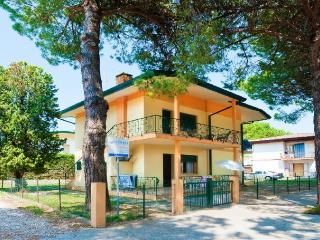Nice 2 bedroom House in Bibione - Bibione vacation rentals