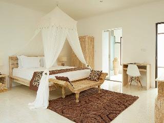 2BR villa Seminyak/Oberoy,50 meters from the beach - Seminyak vacation rentals