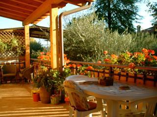 Cottage 84 - Villaggio Heliopolis - Pieve di Manerba vacation rentals
