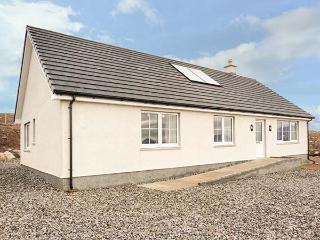 MOUNTAIN VIEW, stunning views, close to beaches, multi-fuel stove, Kinlockbervie, Ref 932764 - Kinlochbervie vacation rentals