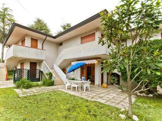 Bright 2 bedroom House in Bibione - Bibione vacation rentals