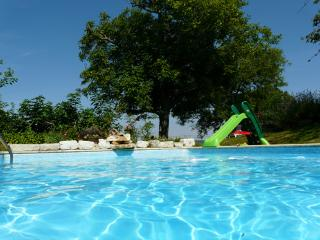 vallée du Lot maison de caractere + piscine pretty cottage with pool - Tournon-d'Agenais vacation rentals