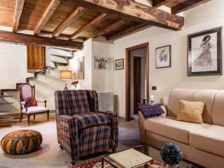 GEMMA APARTMENT - Lucca vacation rentals