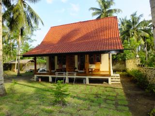 Sadati Home Stay, Right Standard Room With Fan - Batukaras vacation rentals