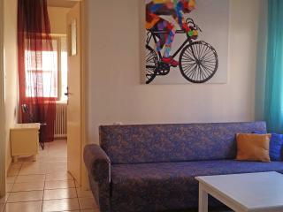 I2 Spacious 60sqm 2 bedroom  city center apt - Chania vacation rentals