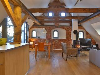 Apartment NIKOLAI in Old Granary in Stralsund - Stralsund vacation rentals