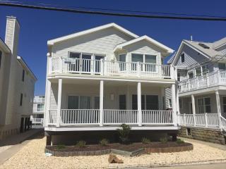Bright 4 bedroom Condo in Ocean City - Ocean City vacation rentals