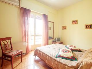 Simple 1BR apt city center of Rethymno - Maroulas vacation rentals