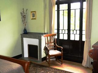 Maison Esmeralda Chambres d'Hotes & Gite 3 - Biert vacation rentals