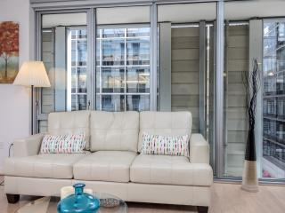 Fully Furnished 1BR Apt LA Downtown - w/ FREE PARKING - Los Angeles vacation rentals