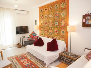 Fresh Ethnic Apartment Downtown - Thessaloniki vacation rentals