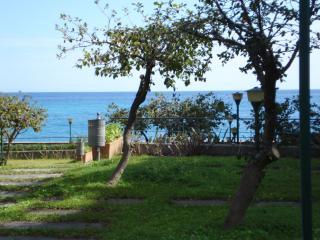 Casa al Mare Letojanni - Letojanni vacation rentals