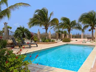 Welcome to VILLA MARIPOSA experience! Feel the sea - Noord vacation rentals
