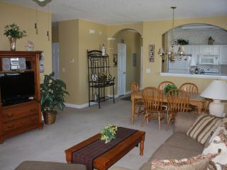 Ironwood - Well Kept Corner Unit, very clean - North Myrtle Beach vacation rentals