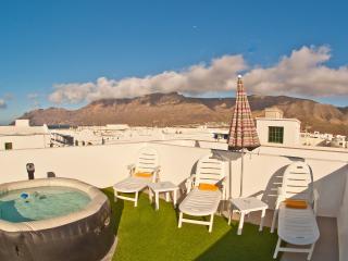 Fab apartment in surfers paradise Lanzarote - Famara vacation rentals