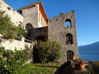 Sunny 2 bedroom Vacation Rental in Gargnano - Gargnano vacation rentals