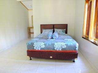 Sadati Home Stay, Right Standard Room With Fan - Batukaras vacation rentals
