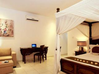 2BR Villa Seminyak, 20 min walking to the beach - Seminyak vacation rentals